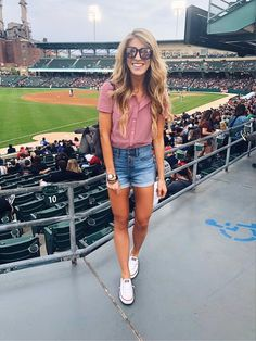 Kicking off the weekend at Star Wars night at the Indians game downtown with Michael. I'm not really a hot dog person but I always have to get one when I go to a game. 🌭 May the Fourth be with you. (Just had to) >> Shop my ballpark look under *tallblondebell* in the @liketoknow.it app or in the link in my bio >> http://liketk.it/2vDlY #liketkit  . . . . . . .  #LTKshoecrush #LTKunder50 #LTKstyletip #LTKunder100