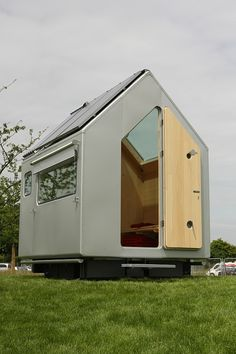 Connecting the architecture and design community with leading brands to create efficient, modern and sustainable designs. Renzo Piano, Micro House, Tiny House, Garden Pods, Treehouses, Machine Design, Prefab, Sustainable Design, Play Houses