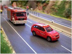 Fuerzas y cuerpos de Seguridad del Estado Español. Escala H0.  Coche de mando de los bomberos de la Comunidad de Madrid. Escala H0.