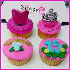 Cupcakes vainilla pinksugar#pinksugar #cupcakes  #barranquilla #pasteleria #reposteriacreativa #tortas #fondant #reposteriabarranquilla #happybirthday  #vainilla  #cake #baking  #galletas #cookies  #pinksugar #wedding #buttercream #vainilla #minion #minions #oreo #music #quinceañera