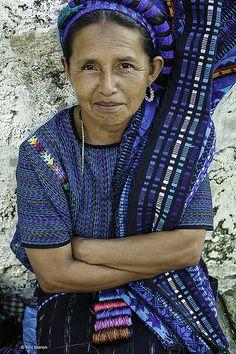 Mujer de San Antonio Palopó, Sololá, Guatemala.