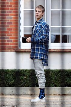 On the other foot: As Justin Bieber continued his UK leg of his Purpose world tour, the ta...