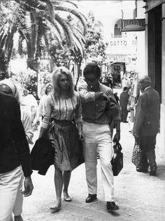 "missbrigittebardot: ""Brigitte Bardot and boyfriend Sami Frey - 1963 "" Bridget Bardot, Brigitte Bardot, Vintage Summer Outfits, Film Le, Jean Luc Godard, Paris Love, French Films, Summer Feeling, Famous Faces"