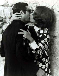 a tribute to Italian cinema Marcello Mastroianni, Sophia Loren, Gena Rowlands, Movie Kisses, My Love Story, Best Kisses, Italian Actress, Faye Dunaway, Ageless Beauty