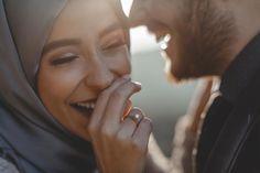 """805 Beğenme, 3 Yorum - Instagram'da 🎥 Zarif Film 🌿 Fotoğraf 📷 (@zariffilm): """"Tuğçe 🌿 İbrahim İçten bir gülümsemenin yerini hiç birşey tutamazdı, birbirini güldüren çiftler…"""" Pre Wedding Shoot Ideas, Wedding Poses, Wedding Couples, Cute Couples, Muslim Wedding Photos, Muslim Wedding Dresses, Muslim Family, Muslim Couples, Hijabi Wedding"""