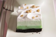 Delight the party with a Pistachio Bar Dessert. Dark crust, two lush fillings & bright flavor puts our Pistachio Bar Dessert first on every guest list. Kraft Foods, Kraft Recipes, Layered Desserts, Köstliche Desserts, Delicious Desserts, Dessert Recipes, Pistachio Dessert, Pistachio Pudding, Pistachio Cream