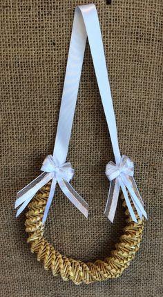 Wedding horseshoe bridal favour corn dolly by TheWheatWeaver