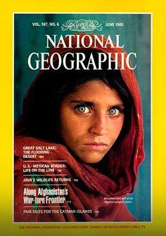 """Njen portret je jedna od najpoznatijih fotografija ikad snimljenih. Fotografija Šarbat Gule, avganistanske devojčice prodornih zelenih očiju, pojavila se 1985. godine na naslovnici """"Nešonal džiografika"""" i ušla u istoriju."""