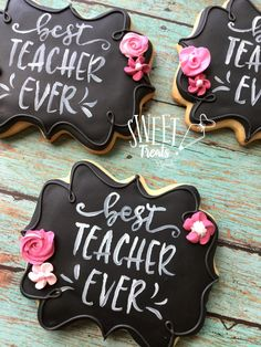 Teacher Appreciation Cookies Chalkboard Cookies Last Day of School Gift Teacher Gift Teachers Day Cake, Teacher Cakes, Teacher Gifts, Fancy Cookies, Iced Cookies, Cute Cookies, Sugar Cookie Icing, Royal Icing Cookies, Sugar Cookies