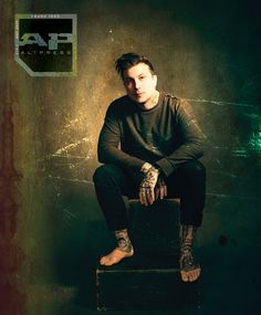 Frank Iero is fully entrenched in his next chapter as Frank Iero And The Future Violents. The former My Chemical Romance guitarist opens up exclusively for AP! Mcr Memes, Band Memes, Pop Punk, Gerard Way Memes, Grunge, Travis Barker, Ray Toro, Mikey Way, Pete Wentz