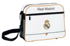 La última colección de papelería escolar del Real Madrid para este año 2014 está inspirada en la equipación oficial del club blanco para la actual temporada. Dimensiones: 37 cm x 29 cm x 12 cm.
