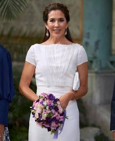 Crown Princess Mary presented the Carlsberg Foundation's Research Prizes 2021 Mary Day, Royal Fashion, Fashion Looks, Danish Prince, Princesa Mary, Day Dresses, Wedding Dresses, Danish Royal Family, Danish Royals