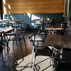 #filmkafeen har fått ansiktsløft av @drivved.no og # kubik interiørarkitekter Conference Room, Photo And Video, Table, Furniture, Instagram, Home Decor, Decoration Home, Room Decor, Meeting Rooms