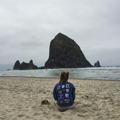 """""""📍Cannon Beach • • • #cannonbeach#oregon#usa#haystackrock#summer#photography#roadtrip#weekend#aupair#adventures#exploring#traveling#lovetotravel#lovetoexplore#aupairadventures#nature#beach#sea#ocean#happy#free#grateful#goodtimes#goodpeople#friends#lifeisgood#lifeisbeautiful#naturelove#oceanlove#travelblogger"""" by @jessbensson. #pic #picture #photos #photograph #foto #pictures #fotografia #color #capture #camera #moment #pics #snapshot #사진 #nice #all_shots #写真 #composition #фото #europe…"""