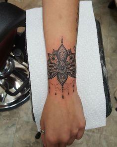 Turn it into a sunflower but same details - Letter Tattoos 27 Tattoo, Cuff Tattoo, Piercing Tattoo, Arm Band Tattoo, Piercings, Tiny Tattoo, Forarm Tattoos, Foot Tattoos, Body Art Tattoos