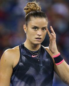 Maria Sakkari (tenis) Wta Tennis, Tennis Players Female, Beautiful Athletes, Good Looking Women, Hottest 100, How To Look Better, Tank Man, Beautiful Women, Sport