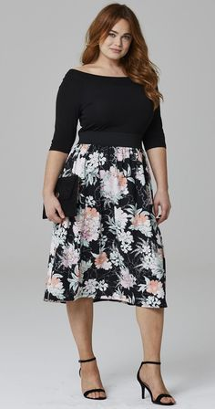 Wedding Outfit ideas for Guest - 36 Plus Size Wedding Guest Dresses {with Sleeves} - Plus Size Cocktail Dresses -. Plus Size Wedding Guest Dresses, Plus Size Cocktail Dresses, Dress For Wedding Guest, Plus Size Winter Dresses, Curvy Fashion, Look Fashion, Plus Size Fashion, Cute Dresses, Prom Dresses