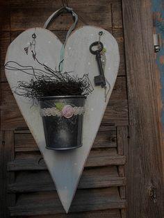 ♥ zartblaues Holzherz für die Haustüre ♥ von *Haus No.7* auf DaWanda.com
