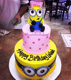 graduation cake Hello Kitty cestsibonbakery Celebrations