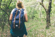 Musi być wygodna w noszeniu, pakowna i pojemna, mieszcząca nie tylko telefon i portfel, ale też butelkę z wodą, książkę lub ulubione czasopismo oraz olejek do opalania. Najlepsza torba na lato to taka, która łączy w sobie modny design z funkcjonalnością. Przedstawiamy kilka trafionych propozycji do różnych form użytkowania! Oto idealne torby na lato.   #koszykinalato #plecakidamskie #torbynalato #torby #plecaki #kosze
