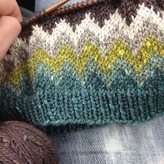 A Lopapeysa-inspired pullover out of Acadia yarn (colourways: blue heron, summersweet, kelp, driftwood, egret + moraine). Yarn Projects, Knitting Projects, Crochet Projects, Knitting Stitches, Knitting Yarn, Hand Knitting, Stitch Patterns, Knitting Patterns, Loom Knitting Patterns
