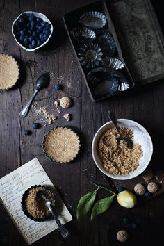 No-Bake Blueberries & Greek Yogurt + Ricotta Cream Tartellette With Amaretti Cookies | Some Very Distant Memories - The Freaky Table