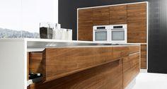 vao Küche von TEAM 7 vereint edles Naturholz mit edlem Design.