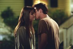 12 Real-Life Romantic Date Ideas Inspired by Nicholas Sparks Books