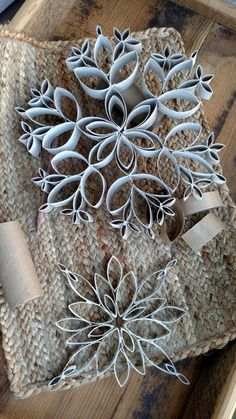 How to Make Cheap Snowflakes Out of Toilet Paper and Paper Towel Tubes - Cook'n with Mrs. G How to Make Cheap Snowflakes Out of Toilet Paper and Paper Towel Tubes - Cook'n with Mrs. Toilet Paper Roll Art, Paper Towel Tubes, Rolled Paper Art, Toilet Paper Roll Crafts, Diy Paper, Paper Crafting, Toilet Paper Tubes, Paper Towel Crafts, Paper Towel Rolls
