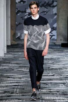 Neil Barrett Spring 2016 Menswear Fashion Show