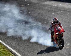 Troy Bayliss, front wheel burnout