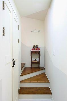 아내의 건강 회복을 위해 지은 천안 프로방스 주택 : 네이버 포스트 Stairs, Cabinet, Storage, Furniture, Home Decor, Clothes Stand, Purse Storage, Stairway, Decoration Home