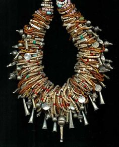By Carl Dreibelbis. A wonderful necklace that has been put together by Carl using a collection of rare old beads, antique trade and old and vintage silver beads {he has been an avid collector since the Ethnic Jewelry, African Jewelry, Jewelry Art, Antique Jewelry, Beaded Jewelry, Handmade Jewelry, Jewelry Necklaces, Jewelry Design, Antique Glass