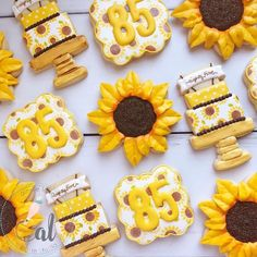 Gorgeous bright and cheery set from using our Sunflowers 🌻 set! Tap pic for a direct link. First Birthday Cookies, 85th Birthday, Fall Birthday, Birthday Ideas, Fall Cookies, Iced Cookies, Royal Icing Cookies, Thanksgiving Cookies, Sunflower Cookies