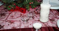 Kókuszlikőr recept képpel. Hozzávalók és az elkészítés részletes leírása. A Kókuszlikőr elkészítési ideje: 20 perc Vodka, Table Decorations, Gifts, Home Decor, Foods, Drinks, Food Food, Drinking, Presents