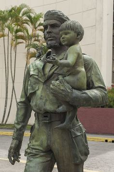 Che Guevara Statue in Santa Clara, Cuba   Flickr - Photo Sharing!