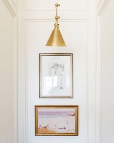 How many of you out there have nothing hanging on the walls in your home? Today, I am here to show you how to decorate a large blank wall. Big Blank Wall, Blank Walls, Modern Mountain Home, Figure Sketching, Wall Decor, Wall Art, Objet D'art, Wall Spaces, Decoration