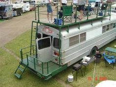 The best part just may be the panoramic roof that stretches almost the full length of the camper and bathes the interior with a great deal of pure light School Bus Tiny House, School Bus House, Motorhome, Casa Bunker, Bus Remodel, Converted Bus, Rv Bus, Bus Living, Short Bus