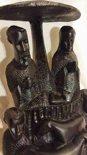 Presépios Internacionais : Presépio feito em madeira de pau preto proveniente...