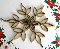 25 ideas homemade christmas tree toppers tutorials for 2019 Paper Towel Roll Crafts, Toilet Paper Roll Art, Rolled Paper Art, Toilet Paper Roll Crafts, Diy Christmas Tree Topper, Homemade Christmas Tree, Christmas Fun, Christmas Decorations, Christmas Ornaments