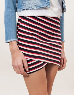 At Stradivarius you'll find 1 Striped sarong skirt for woman for just 3.99 £ . Visit now to discover this and more SKIRTS.