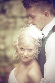 posing short bride w/tall groom