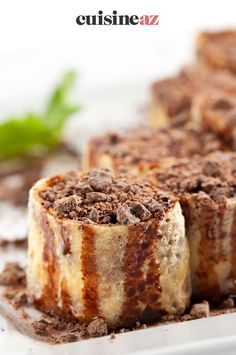 Cette recette de maki de crêpes au chocolat n'a rien à voir avec les traditions japonaises. Seuls le montage et l'aspect final ressemblent. Ce maki de crêpes au chocolat simple et facile est parfaite pour la Chandeleur. #recette#cuisine#maki#chocolat #patisserie #chandeleur #crepes Montage, Scones, Tiramisu, Banana Bread, Biscuits, Pancakes, Simple, Ethnic Recipes, Desserts