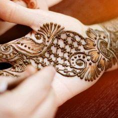 Simple bridal hennah design