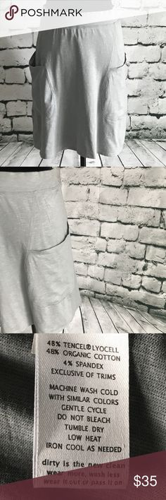 Super soft light knit skirt by Horny Toad Chic athletic skirt by Horny Toad is casual and light.  Size small. Fits in between sizes 4/6. Super lightweight material shows off all your curves. Worn 1- 2 times. No flaws. Horny Toad Skirts