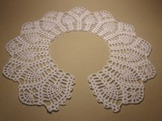 Ажурный воротничек крючком №3.Часть 1 Crochet Bolero Pattern, Col Crochet, Crochet Lace Collar, Crochet Motif, Crochet Designs, Crochet Patterns, Diy Crafts Crochet, Crochet Projects, Crochet Capas
