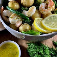 Shrimp & potato salad – pesto and potatoes Potato Salad No Mayo, Potato Salad Dressing, Potato Salad With Egg, Salad Recipes Video, Lunch Recipes, Soup Recipes, Pesto Potatoes, Baby Potatoes, Blanching Green Beans