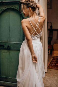 Evening Dresses For Weddings, Lace Weddings, Wedding Gowns, Wedding Cakes, Wedding Rings, Elegant Dresses, Vintage Dresses, Honeymoon Dress, Bridal Tops