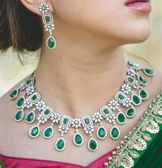 diamond necklace chokers that truly are Fabulous Emerald Jewelry, Gold Jewelry, Jewelery, Fine Jewelry, Diamond Jewellery, Diamond Necklace Set, Stone Necklace, Indian Diamond Necklace, Emerald Necklace