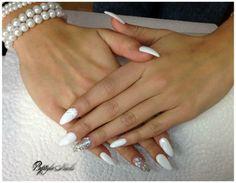 #nails #almondnails #whitenails